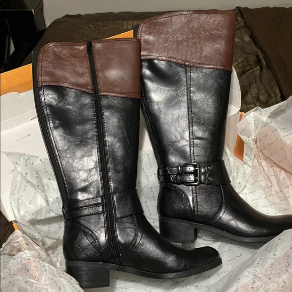 Unisa Wide Calf Riding Boots